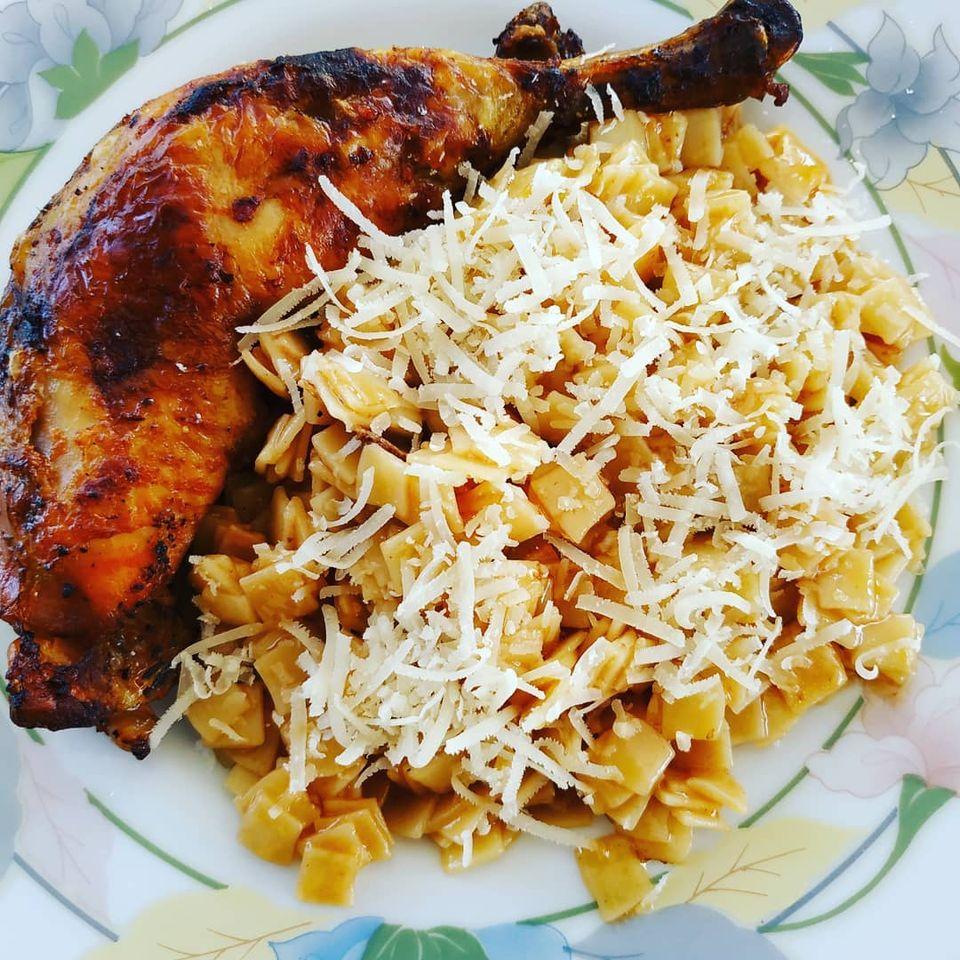 κοτόπουλο με χυλοπίτες φωτογραφία