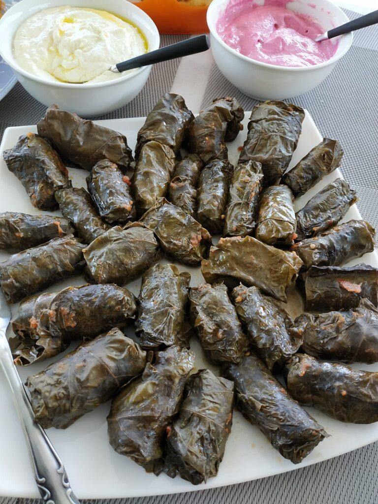 Κυπριακά ντολμαδάκια με αμπελόφυλλα εικόνα.