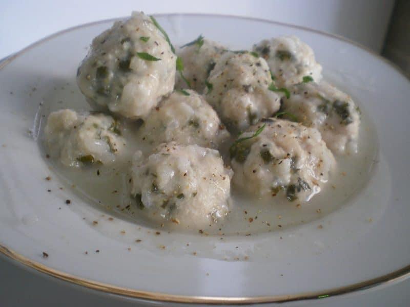 Γιουβαρλάκια αυγολέμονο με κιμά κοτόπουλου εικόνα