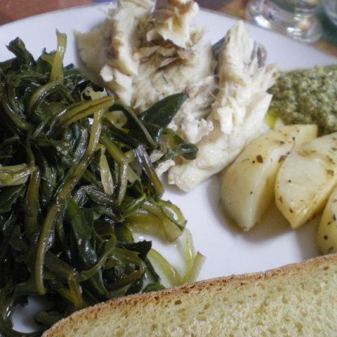 λαβράκι με πατάτες και πέστο εικόνα