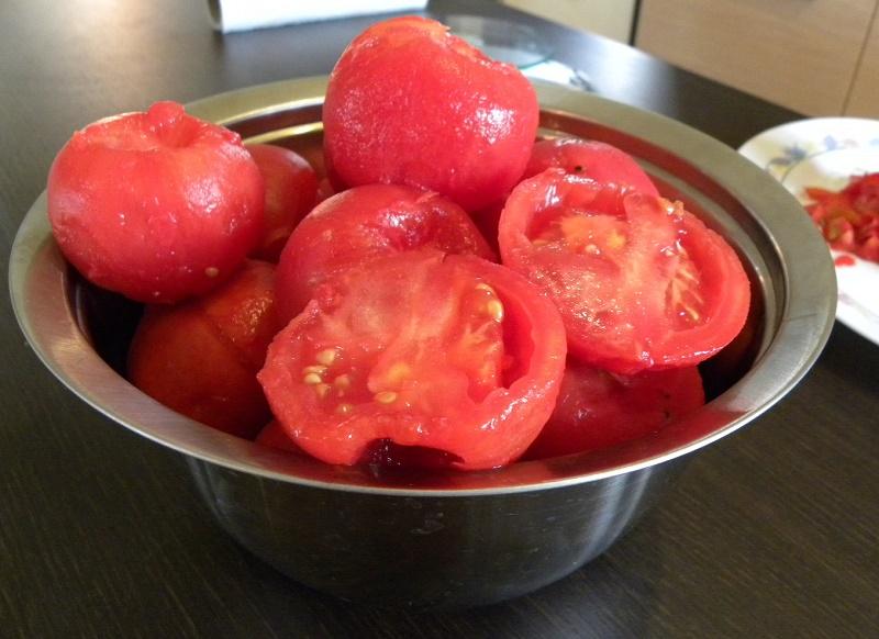 Ξεφλουδισμένες Ντομάτες εικόνα