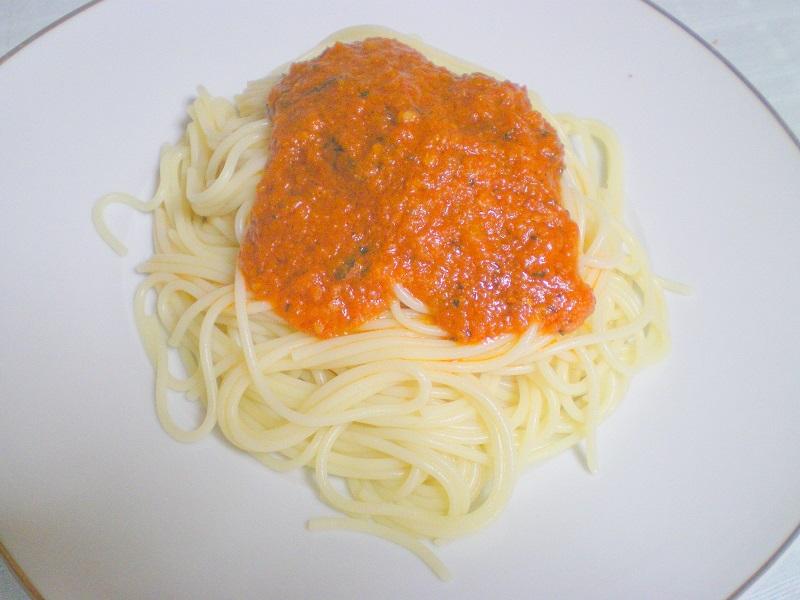 σπαγγέτι νηστίσιμα με σάλτσα εικόνα