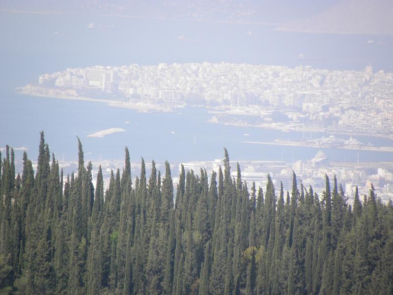 Θέα του Πειραιά .. μέχρι τη Σαλαμίνα..
