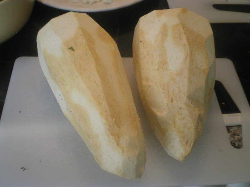 καθαρισμένο κολοκάσι φωτογραφία