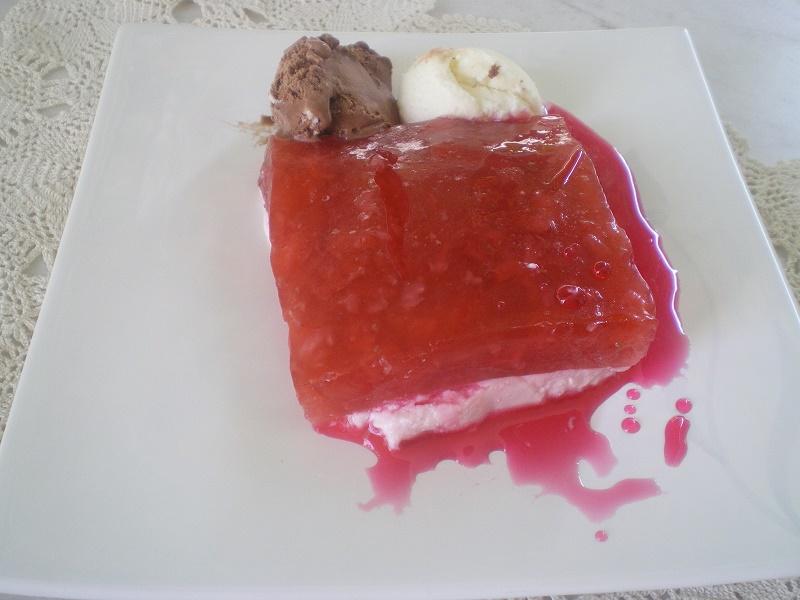 Λάιτ Ζελές Φράουλας με Κρέμα Ανθότυρου φωτογραφία