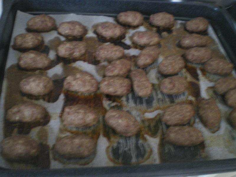 Σουτζουκάκια στο φούρνο εικόνα