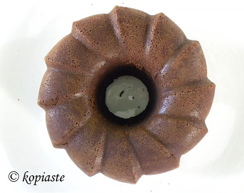 Το κέικ πριν το γλασάρισμα