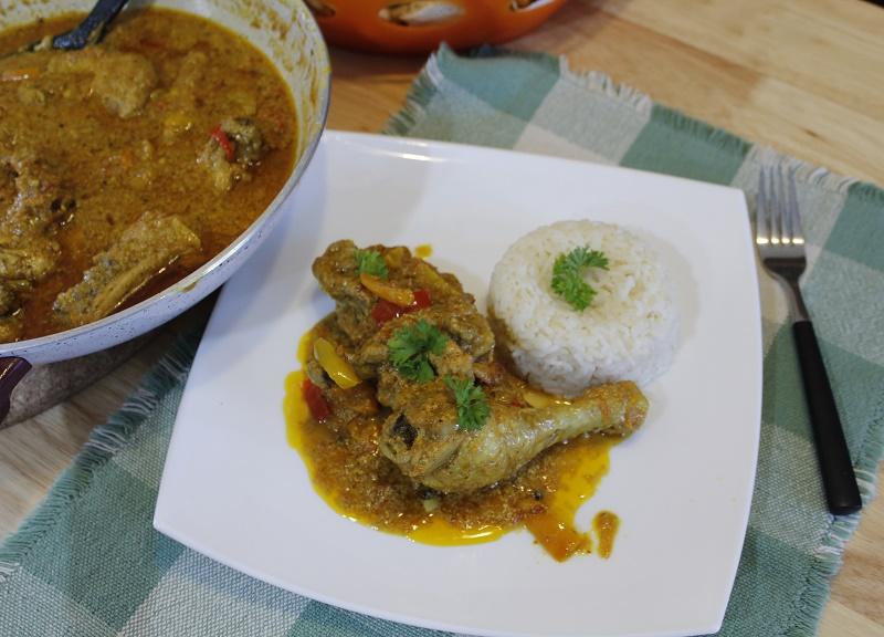 Κοτόπουλο με κάρυ φωτογραφία