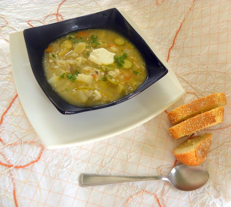 σούπα με αγκινάρες και σελινόριζα εικόνα