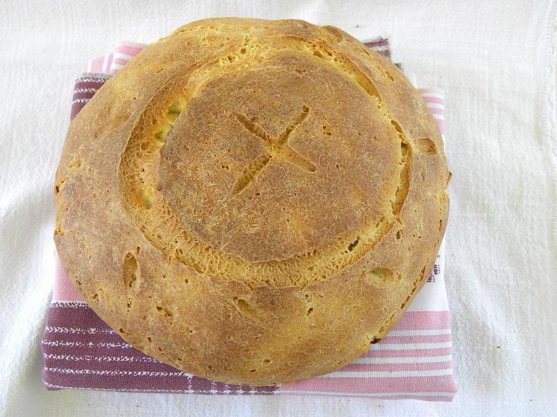 Κυπριακό ζυμωτό ψωμί εικόνα