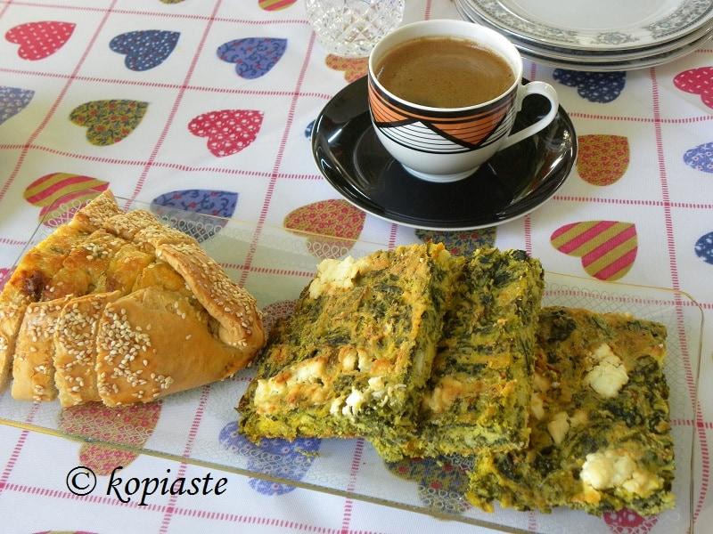 πλαστός-σπανακόπιτα-ελληνικός-καφές-φλαούνα
