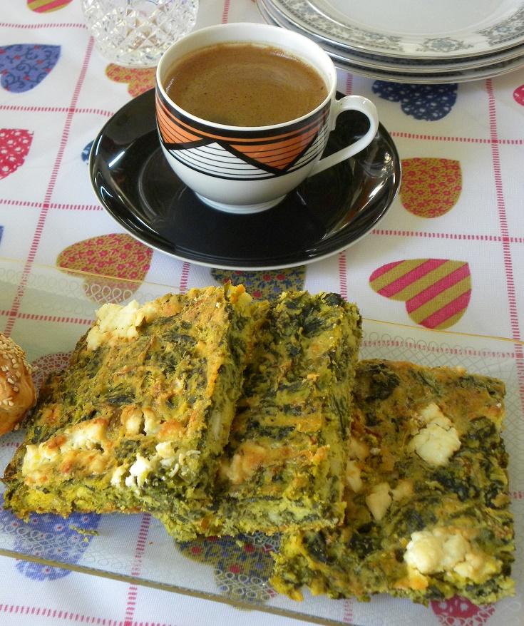 Σπανακόπιτα πλαστός με Ελληνικό καφέ εικόνα