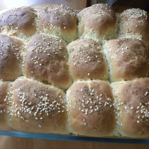 Ψωμάκια Γεμιστά με Ελιές Πράσινες