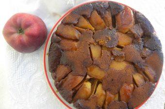 αναποδογυρισμένη μηλόπιτα με πετιμέζι εικόνα
