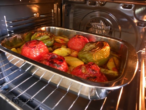 Gemista with tomatoes and bell peppers
