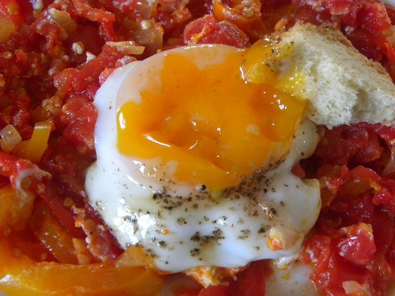 καγιανάς με αυγό ποσέ εικόνα