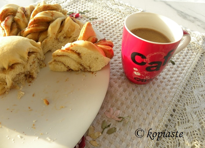 Tahinopsomo with Greek coffee