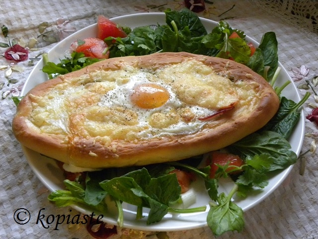 Peinirli with Eggs2