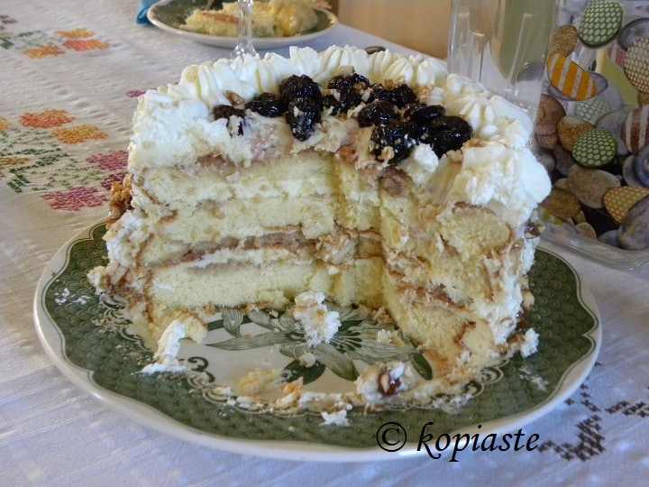 Cream Cheese White Chocolate Pasteli cake cut