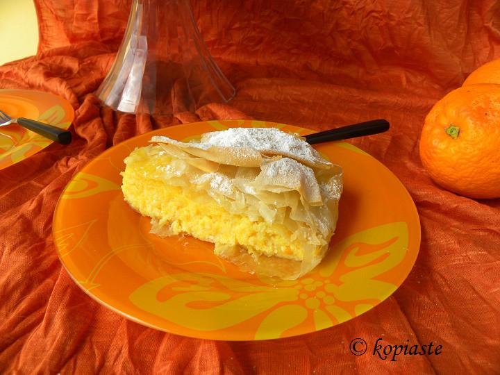 πορτοκαλόπιτα κομμένη