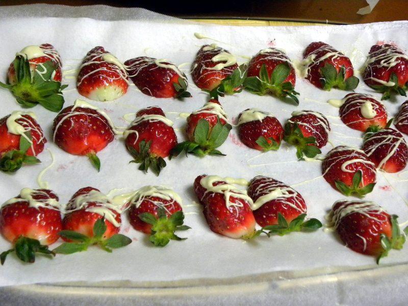 φράουλες με λευκή σοκολάτα