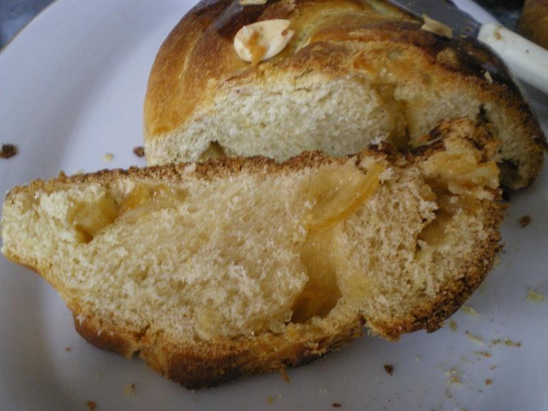 τσουρέκι με μαρμελάδα εικόνα
