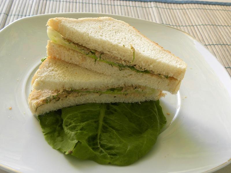 σάντουιτς με τοννοσαλάτα φωτογραφία