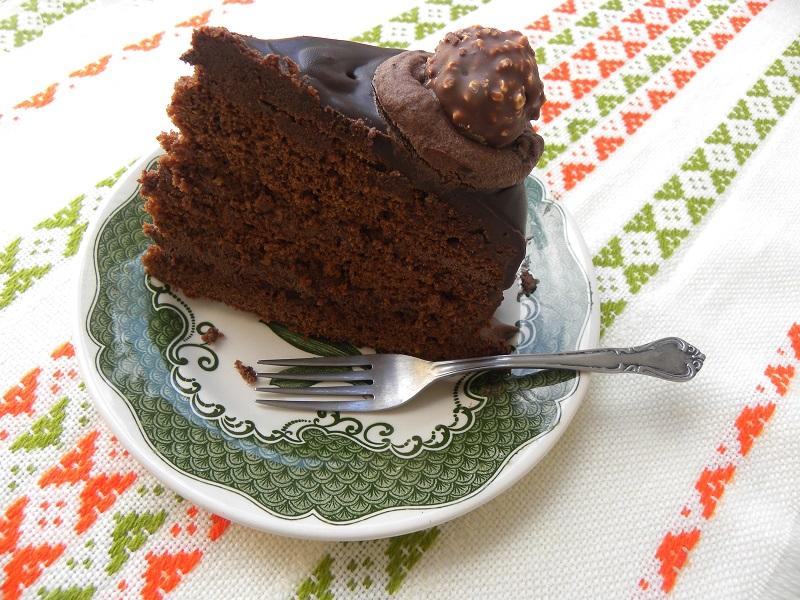 κομμένη τούρτα φερέρο ροσέ εικόνα