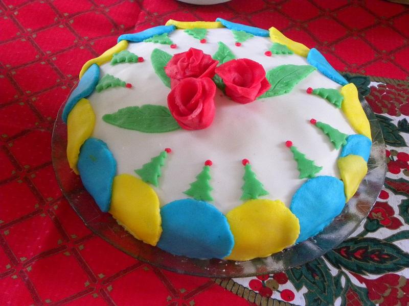 Χριστουγεννιάτικο Κέικ με ζαχαρόπαστα εικόνα