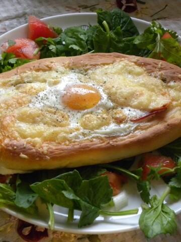 Πεϊνιρλί (η Ελληνική Πίτσα σαν βαρκούλα)