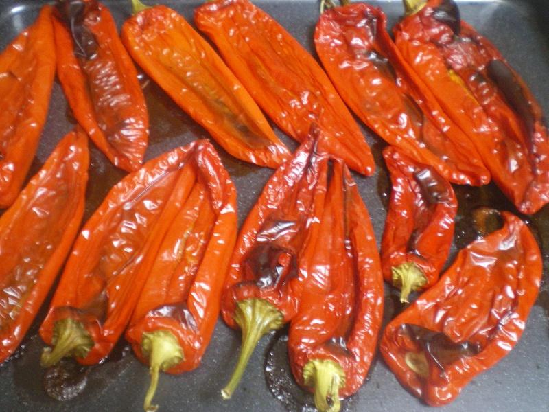 Ψητές κόκκινες γλυκιές πιπεριές εικόνα