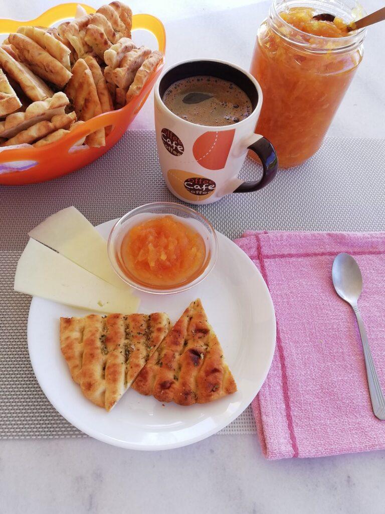 Ανάμεικτη Μαρμελάδα Εσπεριδοειδών με Κουλούρι Θεσσαλονίκης και Ελληνικό καφέ εικόνα
